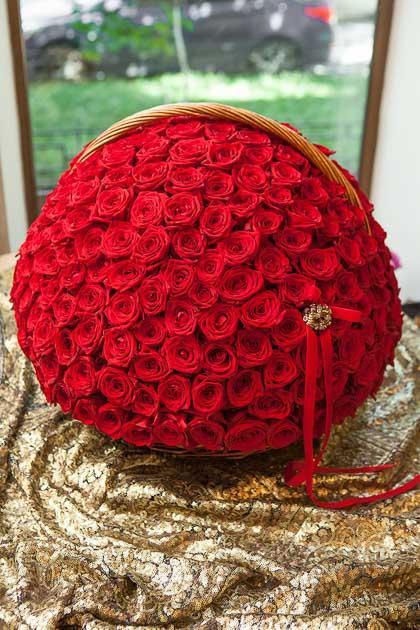 301 красная роза в Корзине купить с доставкой по Саратову