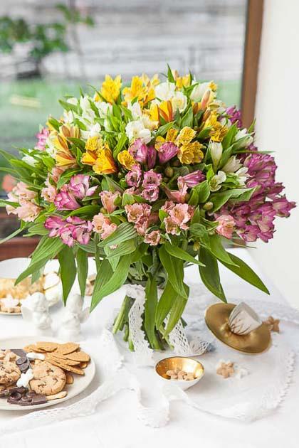 Букет из 25 Альстромерий микс - planeta.florist