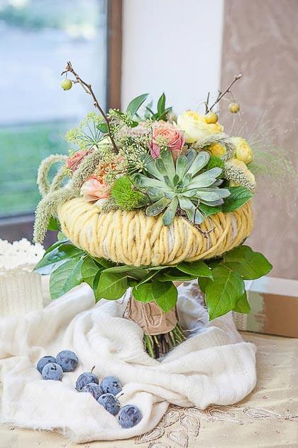 Букет на Каркасе из Розы, Трахелиума и Пеннисетума - planeta.florist