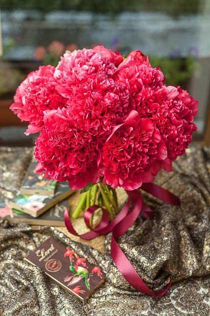 Букет из Пионов Ред Шарм - planeta.florist
