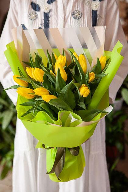 Монобукет из 19 Желтых Тюльпанов - planeta.florist