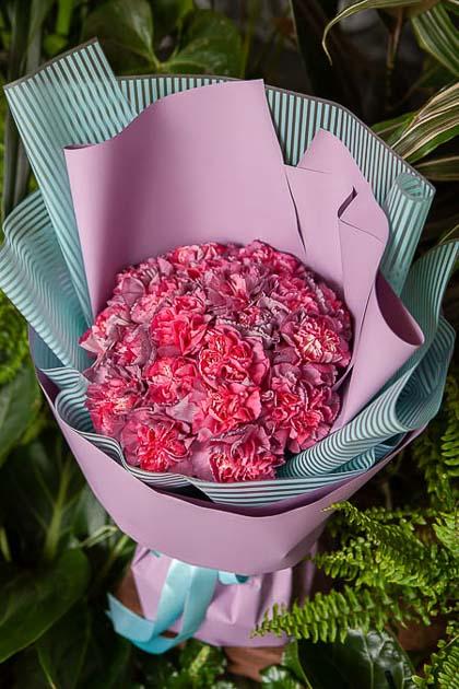 Монобукет из Гвоздики Гипноз - planeta.florist