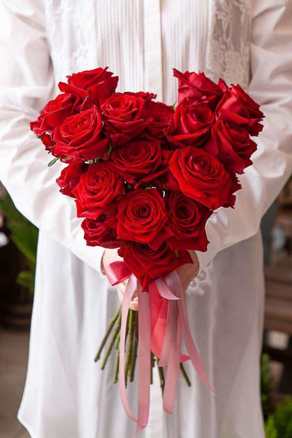 Букет в Форме Сердца из 21 Красной Розы - Саратов