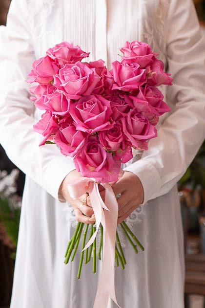Букет в форме сердца из 21 Розовой Розы - Саратов