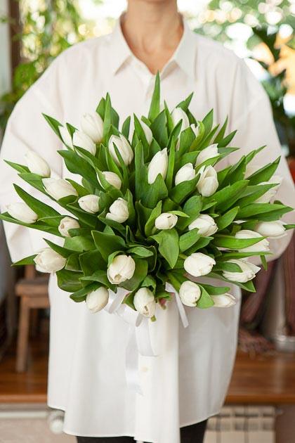 Букет 35 Белых Тюльпанов Роял Вёрджин без упаковки Саратов