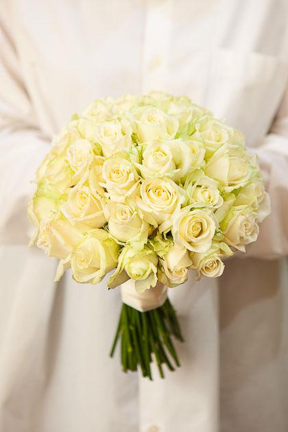 Букет невесты из Белой Розы Саратов