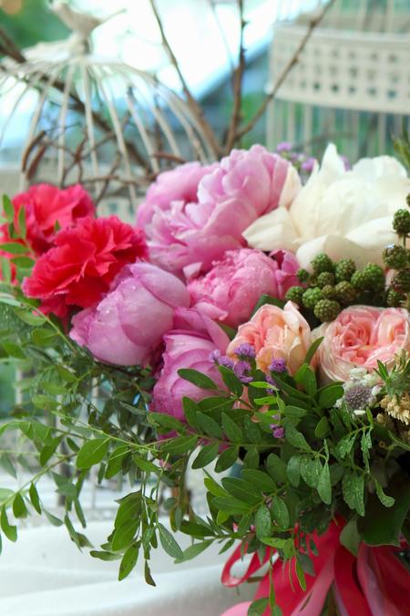 Букет из Розы, Пионов, Гвоздики и Эвкалипта - planeta.florist