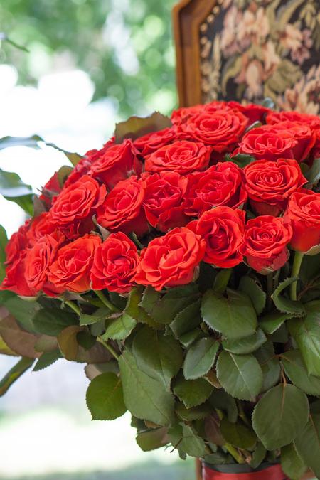 Букет из 51 Алой Розы - planeta.florist