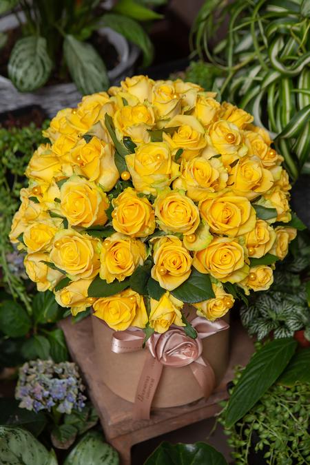 Желтая Роза в Шляпной Коробке Крафт купить с доставкой по Саратову