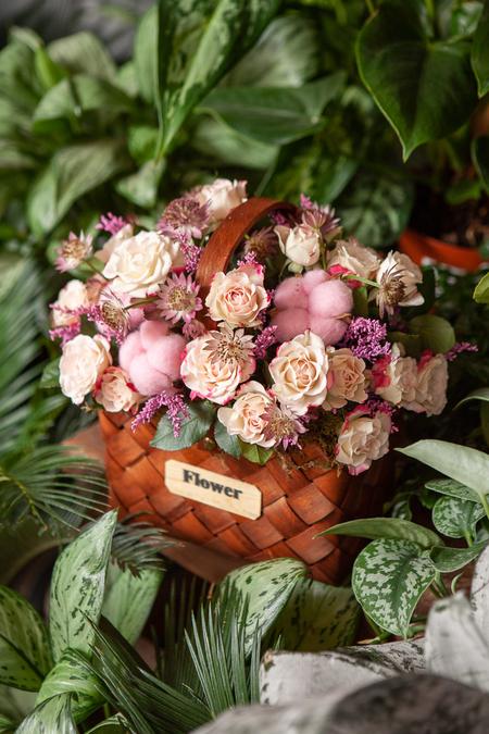 Розовая Роза, Хлопок и Астранция в Корзине купить с доставкой по Саратову
