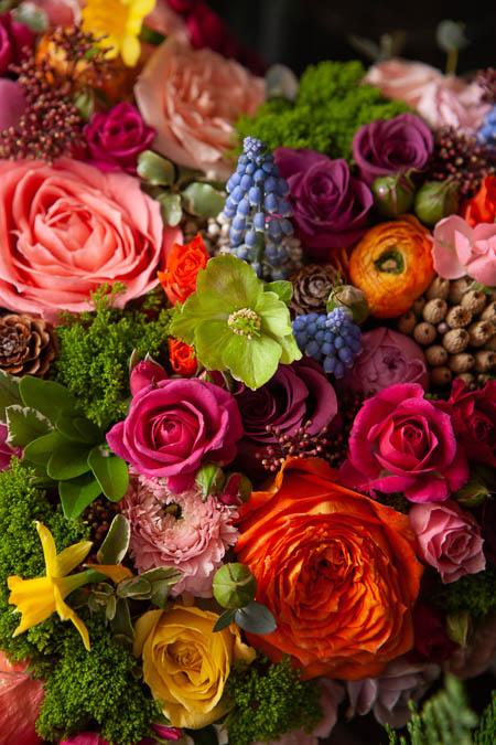 Цветы в форме сердца, Розы, Ранункулюсы, Хризантема, Гвоздика, Мускари купить с доставкой - 2