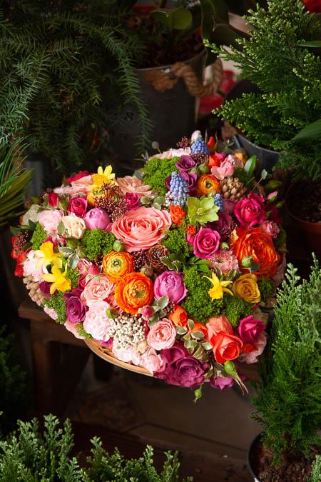 Цветы в форме сердца, Розы, Ранункулюсы, Хризантема, Гвоздика, Мускари купить с доставкой — 4