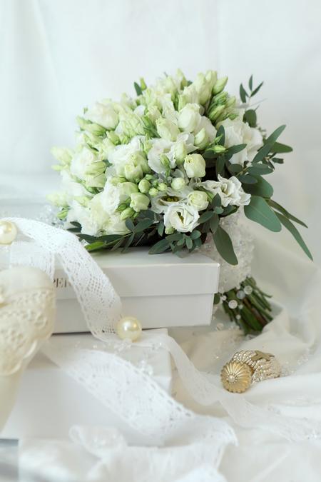 Букет Невесты из Эустомы и Эвкалипта