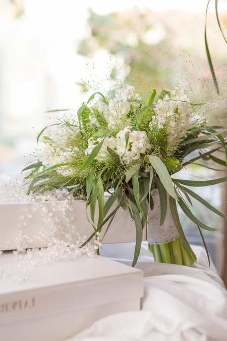 Букет Невесты из Белых Гиацинтов и Эвкалипта