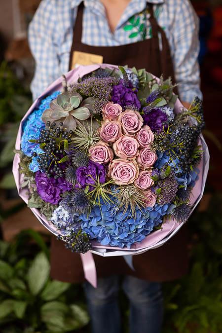 Букет из Розы, Гортензии, Гиацинтов и Вибурнума - planeta.florist