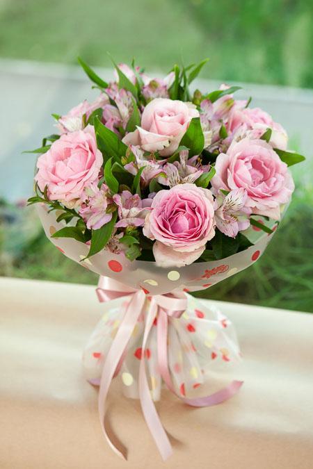 Букет из Розовой Розы, Розовой Альстромерии в Матовой Пленке Люкс Саратов - фото 2