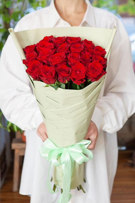 Одностороннй букет из 21 Красной розы Саратов