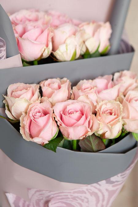 Букет из 21 Розовой Розы в Ярусном стиле Саратов - фото 2